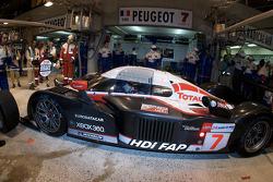 Pit stop for #7 Team Peugeot Total Peugeot 908: Marc Gene, Nicolas Minassian, Jacques Villeneuve