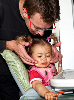 Sébastien Bourdais, Scuderia Toro Rosso with his daughter Emma