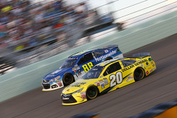 Dale Earnhardt Jr., Hendrick Motorsports Chevrolet and Matt Kenseth, Joe Gibbs Racing Toyota
