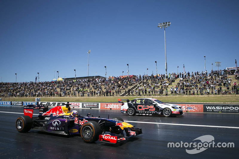 5. Daniel Ricciardo, Red Bull-Renault RB7 and Nick Percat