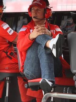 Michael Schumacher, Test Driver, Scuderia Ferrari, Pitwall