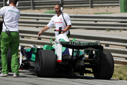 Alexander Wurz, Test Driver, Honda Racing F1 Team, stops on circuit