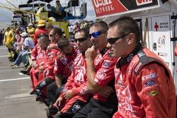 Crews wait for the start
