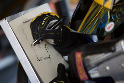 Matt Kenseth writes notes