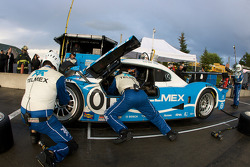 Pit stop for #01 Chip Ganassi Racing with Felix Sabates Lexus Riley: Scott Pruett, Memo Rojas