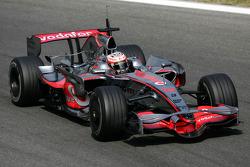 Heikki Kovalainen, McLaren Mercedes, MP4-23, White tyre walls
