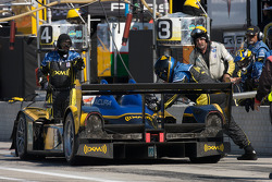 Pit stop for #26 Andretti Green Racing Acura ARX-01B Acura: Franck Montagny, James Rossiter