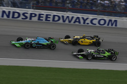 Ryan Hunter-Reay leads Tomas Scheckter and Ernesto Viso