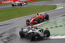 Nico Rosberg, WilliamsF1 Team, FW30 leads Felipe Massa, Scuderia Ferrari, F2008