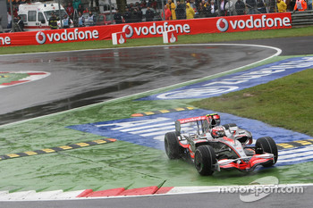Heikki Kovalainen, McLaren Mercedes, MP4-23 cuts the chicane