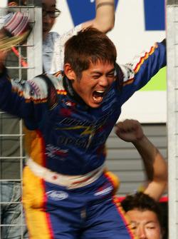 GT300 winner Manabu Orido
