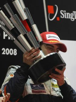 Podium: race winner Fernando Alonso
