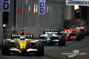 Fernando Alonso, Renault F1 Team, R28, Nico Rosberg, WilliamsF1 Team, FW30