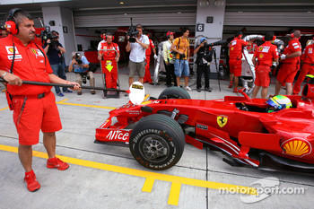 Scuderia Ferrari return to using lolipop