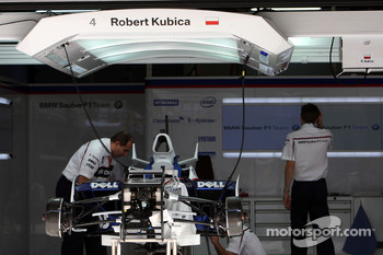Mechanics work on the car of Robert Kubica,  BMW Sauber F1 Team