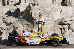Lucas Di Grassi poses with the Renault F1 R27