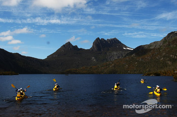 Launceston, Australia: competitors paddle out on to Dove Lake
