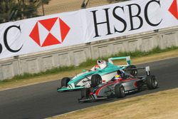 Jim Pla, DAMS Team passes Jazeman Jaafar, Eifelland Racing