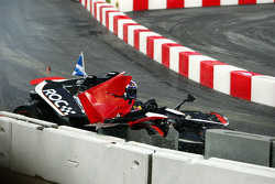 Semi final, race 1: David Coulthard crashes