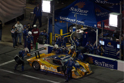 Pit stop for #10 SunTrust Racing Ford Dallara: Max Angelelli, Brian Frisselle, Pedro Lamy, Wayne Taylor