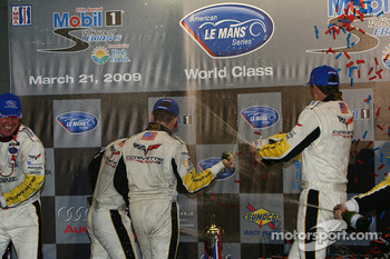 GT1 podium: champagne celebrations