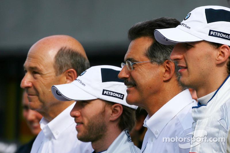 Peter Sauber, BMW Sauber F1 Team, Team Advisor, Nick Heidfeld, BMW Sauber F1 Team, Dr. Mario Theissen, BMW Sauber F1 Team, BMW Motorsport Director and Robert Kubica, BMW Sauber F1 Team