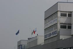 Pitlane building