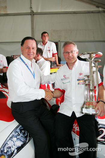 UP Team celebrate with Claudio Berro Speedcar Series Operations Director