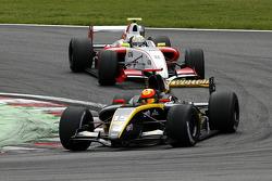 #15 Interwetten.com: Tobias Hegewald, #8 Prema Power Team: Frankie Provenzano