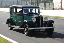 Renault vintage show