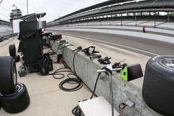 Pit wall