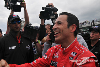 Helio Castroneves, Penske Racing gets the pole for Indy