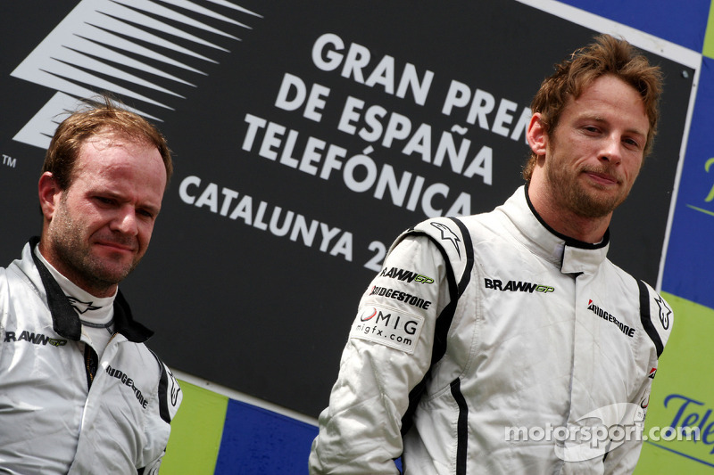 Podium: race winner Jenson Button, Brawn GP, second place Rubens Barrichello, Brawn GP