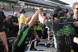 Scott Sharp's, Panther Racing crew celebrates