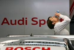 Katherine Legge, Audi Sport Team Abt, Portrait, drinking some Red Bull
