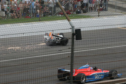 John Andretti misses the wreck of Ryan Hunter-Reay coming off the fourth corner