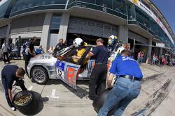 Pit stop for #52 Team Rowe Motorsport BMW E46 M3 WTC: Marco Schelp, Thomas Kappeler, Donald Molenaar, Michael Funke