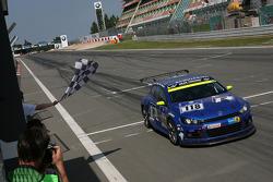 Checkered flag: #118 Volkswagen Motorsport Volkswagen Scirocco GT24: Jimmy Johansson, Florian Gruber, Nicki Thiim, Martin Karlhofer