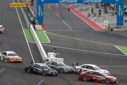 Start: Mike Rockenfeller, Audi Sport Team Rosberg Audi A4 DTM, Paul di Resta, Team HWA AMG Mercedes AMG Mercedes C-Klasse, Bruno Spengler, Team HWA AMG Mercedes AMG Mercedes C-Klasse, Timo Scheider, Audi Sport Team Abt Audi A4 DTM