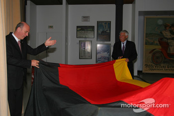 Wolfgang Ullrich and Jean Claude Plassart unveil the Audi R10 TDI for the Le Mans museum