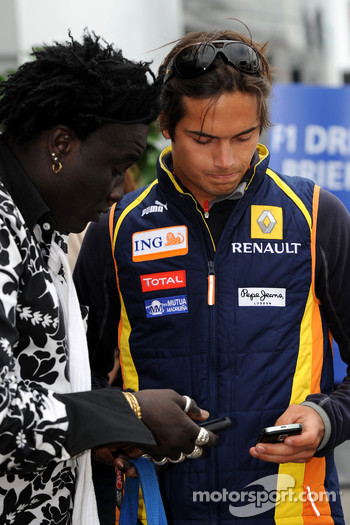 Nelson A. Piquet, Renault F1 Team and Moko