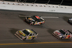 Kevin Harvick, Richard Childress Racing Chevrolet, Brad Keselowski, Phoenix Racing Chevrolet, Scott Speed, Red Bull Racing Team Toyota