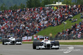 Robert Kubica, BMW Sauber F1 Team leads Nick Heidfeld, BMW Sauber F1 Team