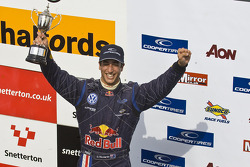 Podium: second place Daniel Ricciardo
