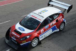 Two high-performance motorsport versions of the new 2009 Ford Fiesta will make their North American motorsports debut at the annual Pikes Peak International Hill Climb outside Colorado Springs