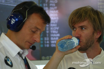 Nick Heidfeld, BMW Sauber F1 Team takes a drink
