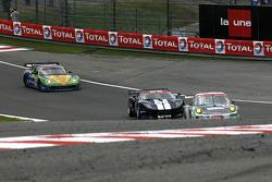 About to be lapped; #59 Trackspeed Porsche 911 GT3 RS: David Ashburn, Tim Sugden, Stéphane Ortelli, Jorg Bergmeister