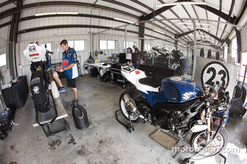 The National Guard crew work on their Suzuki GSX-R1000
