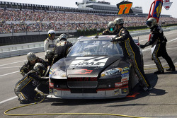 Pit stop for Ryan Newman, Stewart-Haas Racing Chevrolet