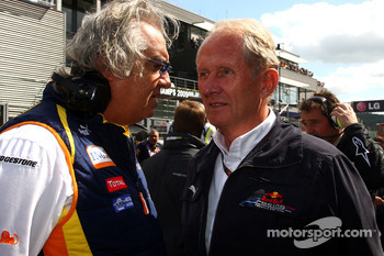 Flavio Briatore, Renault F1 Team, Team Chief, Managing Director and Helmut Marko, Red Bull Racing, Red Bull Advisor